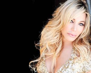 Concert bill includes artists like Stevie B., Lisa Lisa and Taylor Dayne.