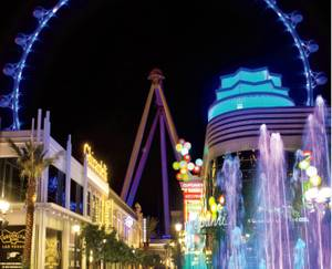 The Linq Promenade offers many fun drinking spots.