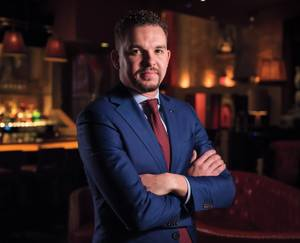 Bar manager joins a longtime Las Vegas hot spot.