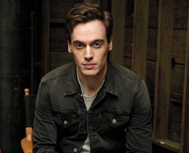 Erich Bergen brings his song and dance talents to Las Vegas