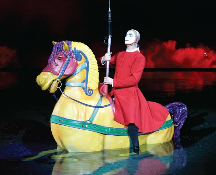 Cirque du Soleil's 'O' dazzles the senses