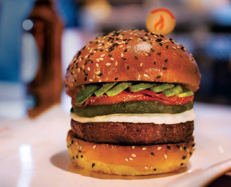 Gordon Ramsay Burger In Las Vegas Delivers In Style Las Vegas Magazine